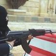 4歳男児がAK-47機関銃を乱射...衝撃動画を国際テロ組織が公開