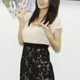 【画像】小林恵美、大人フェロモン路線でグラビア続投宣言!?
