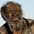 60年間お風呂に入らない男を発見、その容貌は想像以上のものに=イラン