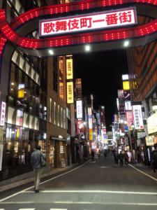 緊急事態宣言後の歌舞伎町(写真・編集部)。