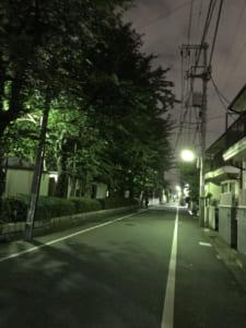 人通りが少ない道は要注意。