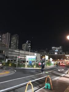 再開発が進んで空き地が目立つ歌舞伎町(撮影・編集部)